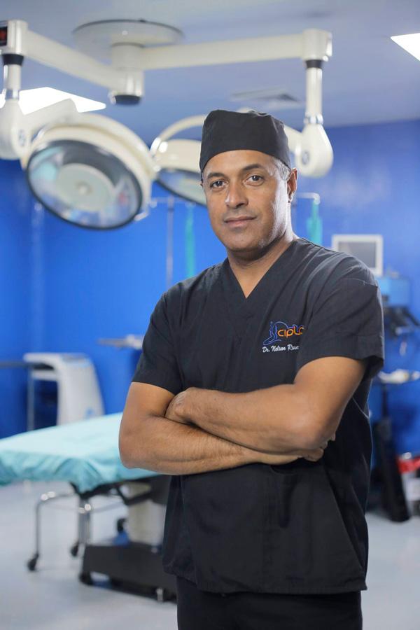 dr-nelson-rosario-cirujano-plastico